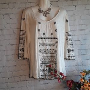 Lucky Brand Top Embroidered Size 1X